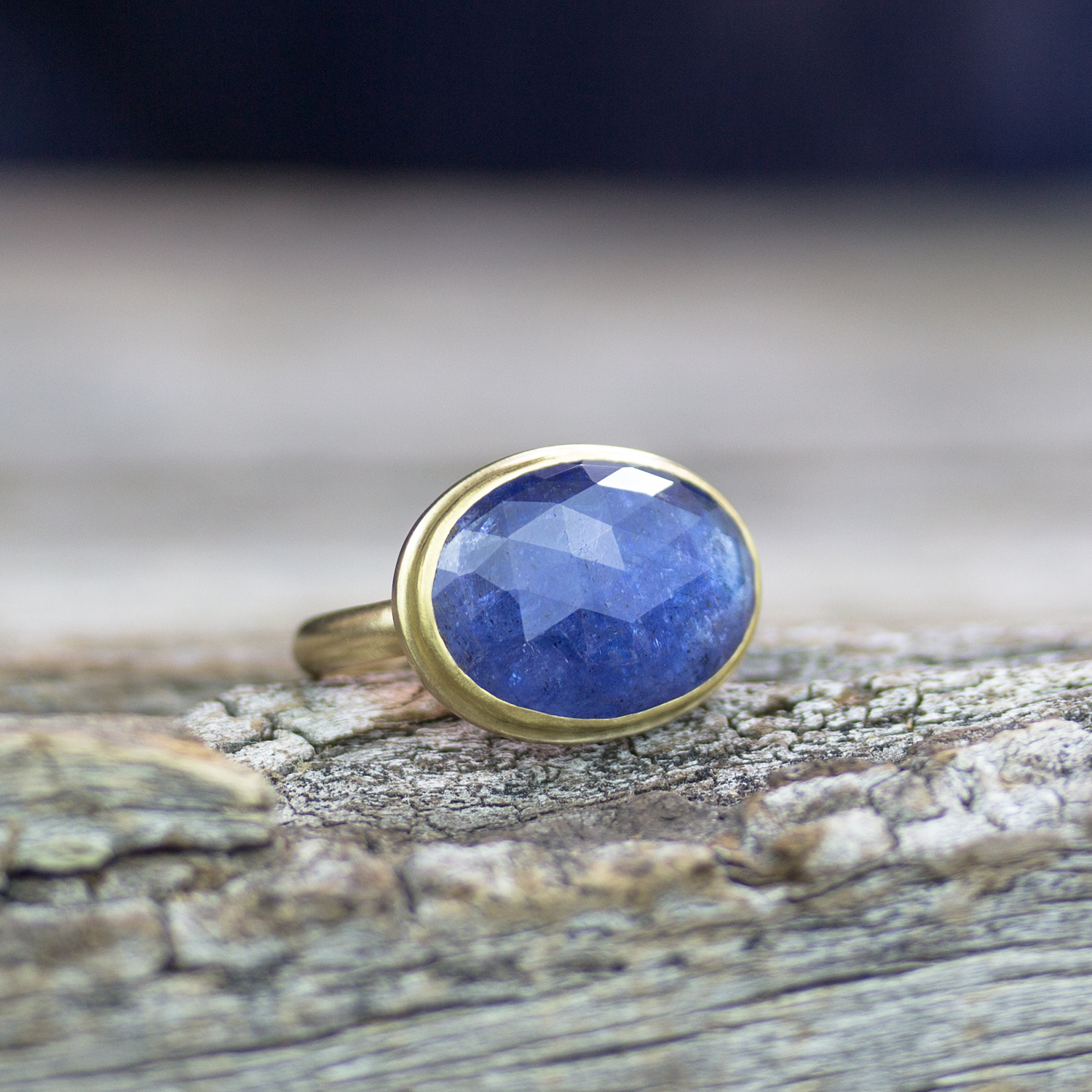 Tanzanite 18k Gold Statement Ring