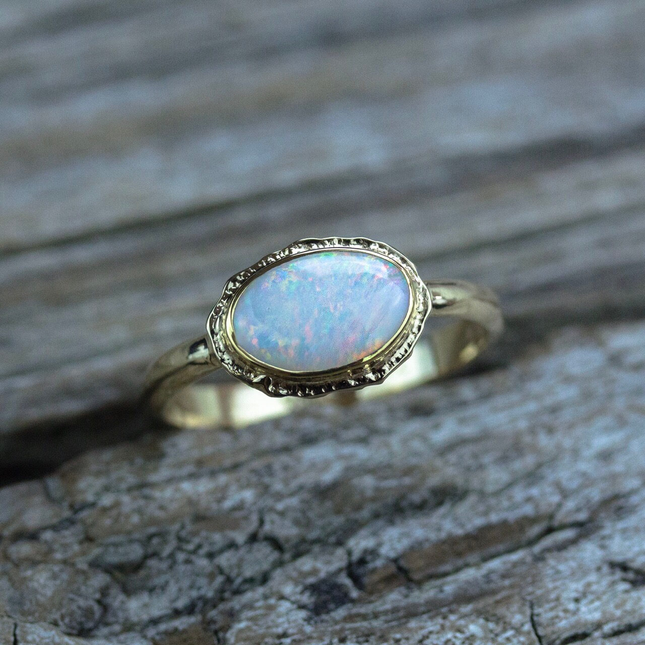 Coober Pedy Opal Ring in 18K Gold
